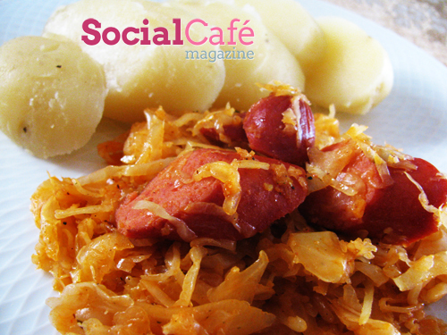 Sauerkraut with Sausages and Potatoes Recipe