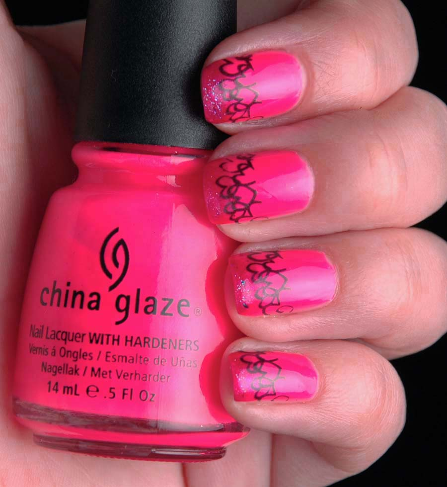 Add a bit of fun to your Valentine's Day outfit by making your nails