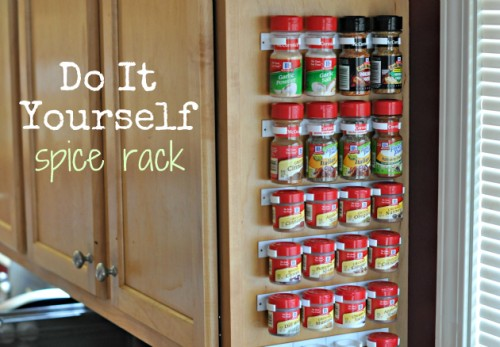 Diy projects around the house socialcafe magazine diy spice rack by food family finds solutioingenieria Images