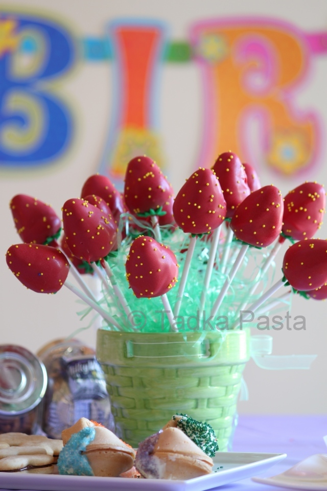 Strawberry Cake Pops Jpg