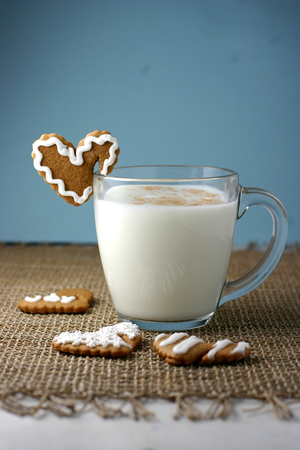 Gingerbread Hearts for Your Cookies & Milk