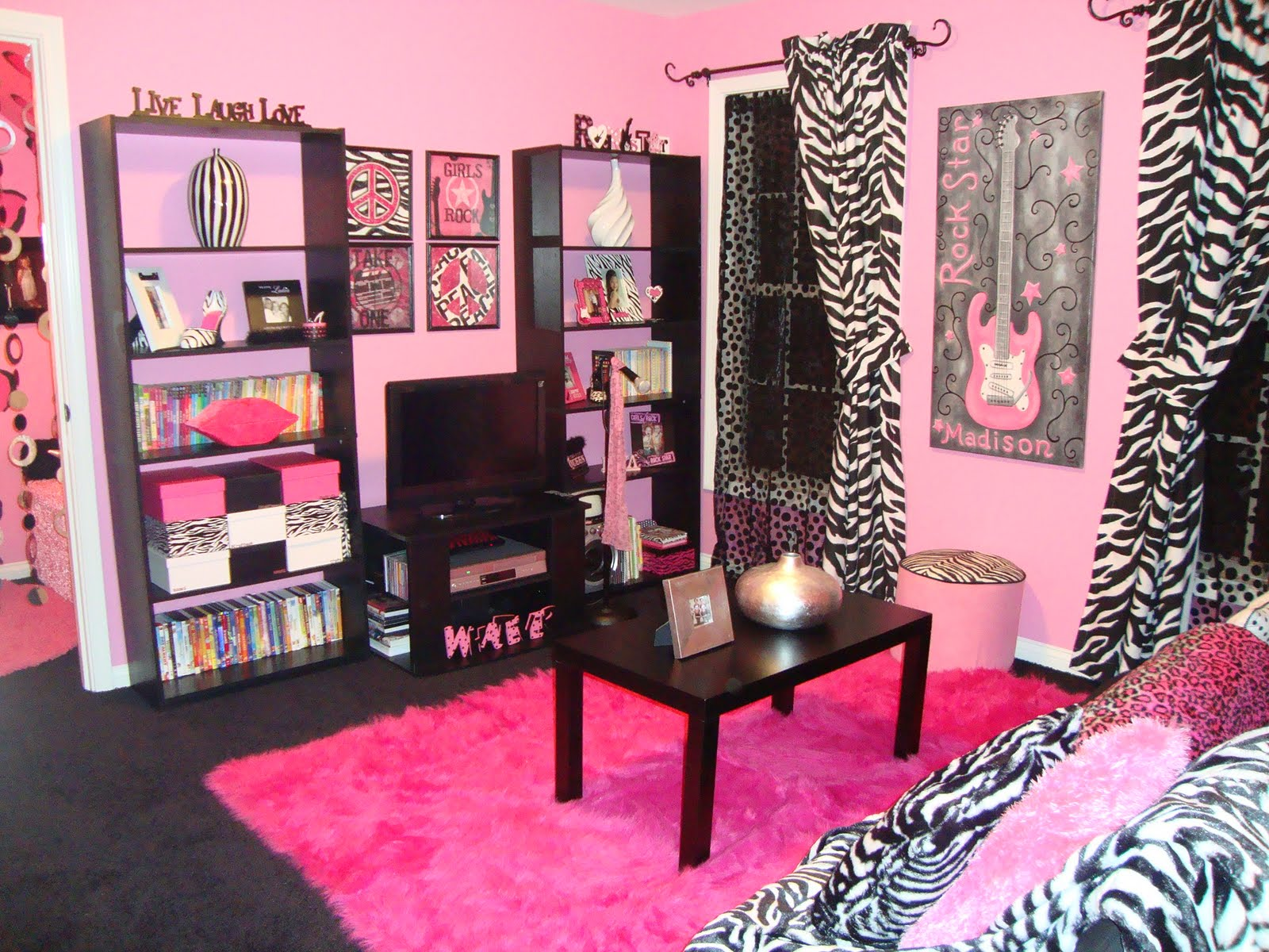 Zebra-Bedroom-for-Girls2.jpg