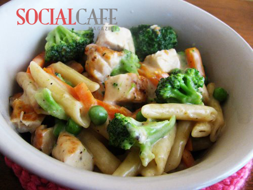 Alfredo Chicken & Vegetable Pasta