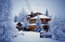romantical-lovely-winter-luxury-house-photo